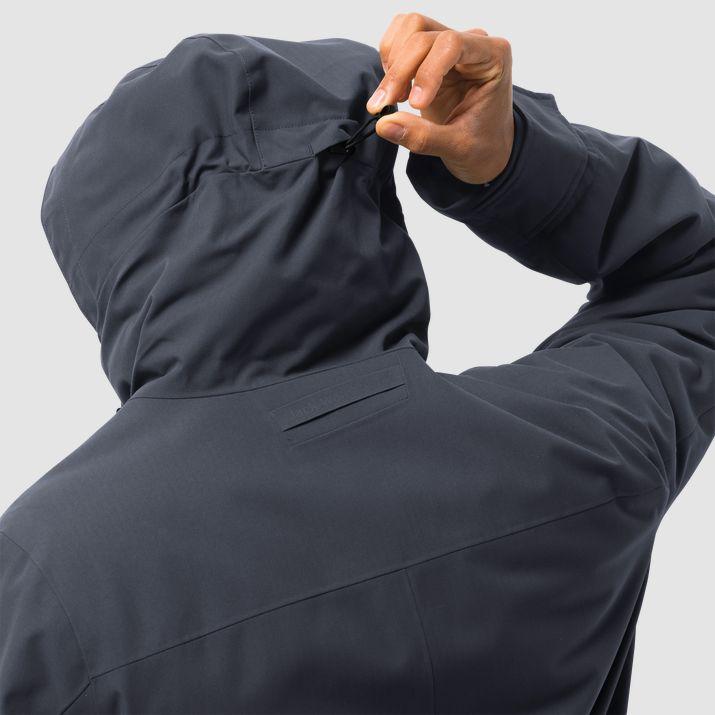 Mens jack wolfskin jacket new size xxl in SK10 Bollington